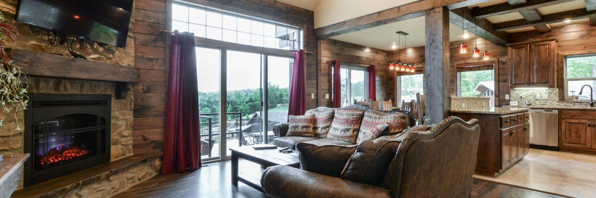 4BV-living room into kitchen