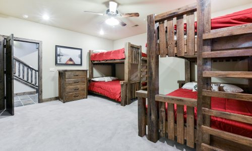 6BV-guest room #4 - bunk room