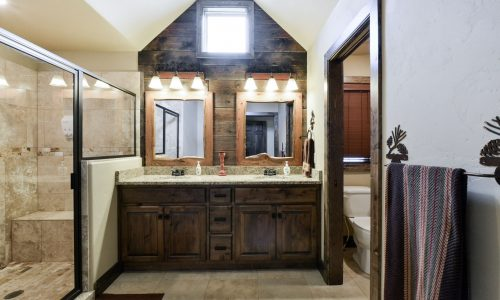 6BV-master bathroom