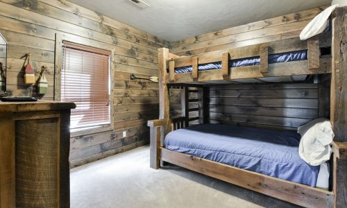 7BL-guest room #6 - bunks