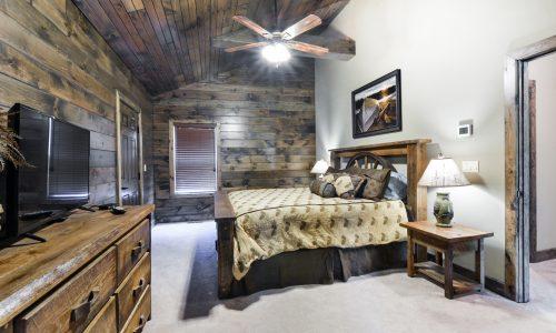 7BL-master bedroom