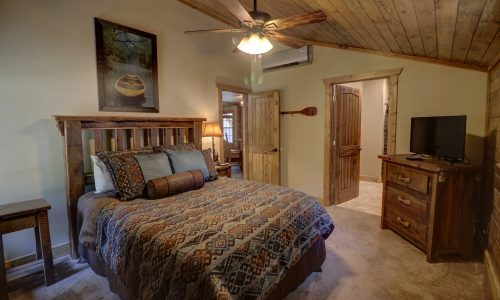 OldMill-guest-room-#4